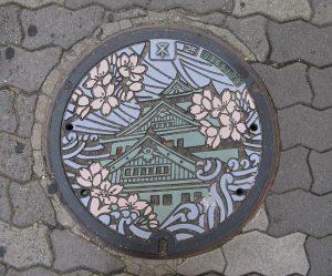 01 osaka-castle-manhole-lid